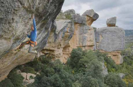 Jakob Schubert gets the third ascent of Perfecto Mundo (9b +)
