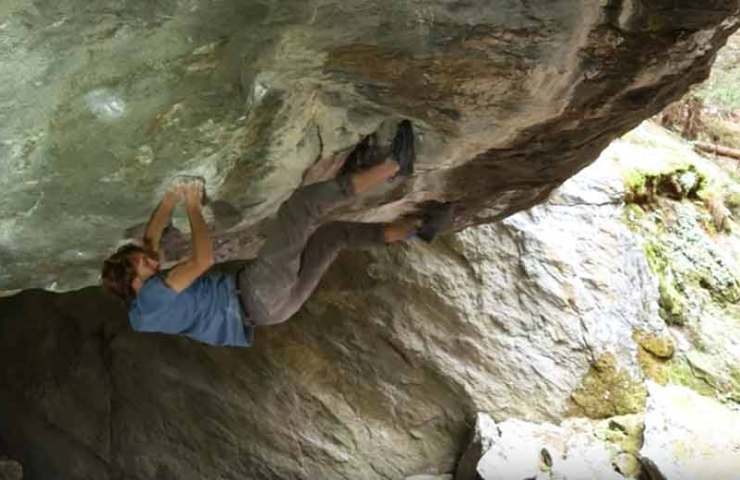 Video: Clément Lechaptois bei der Begehung des Boulders Foundation's Edge