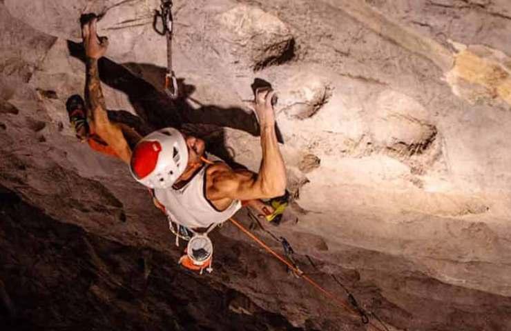 Edu Marin klettert die schwerste Sportkletterroute Chinas: The Clinic (9a+)