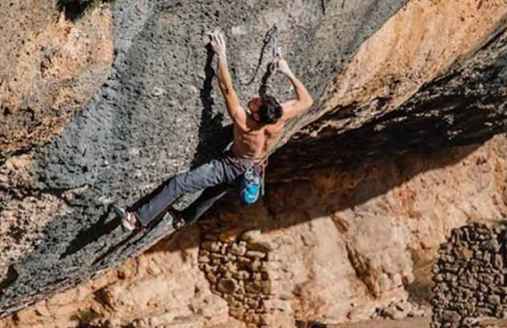 Stefano Carnati cracks the Boulder Dreamtime and the Demencia Senil route
