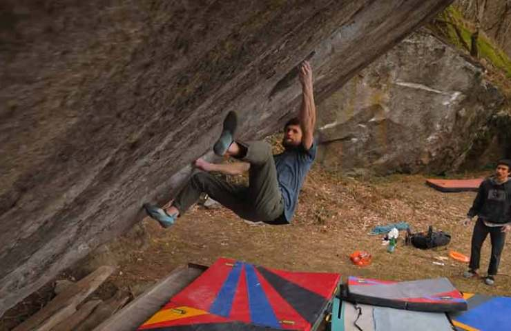 Jimmy Webb klettert Off the Wagon sit (8c+) im Val Bavona