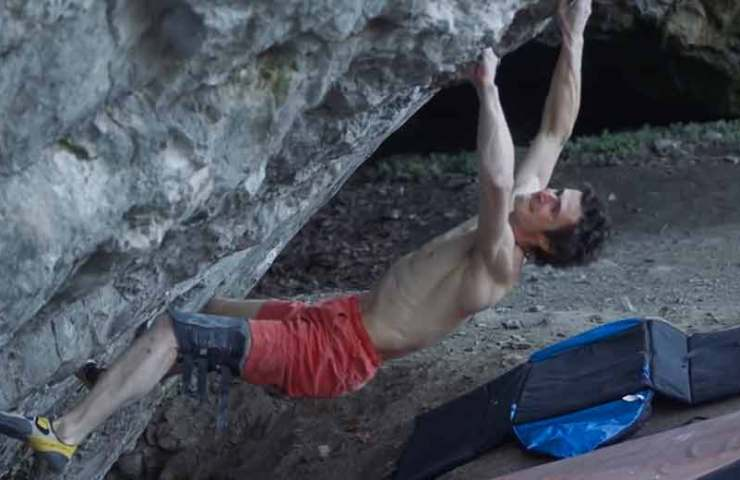 Adam Ondra finally back on the rock: 8c boulder and 7 other hard lines climbed