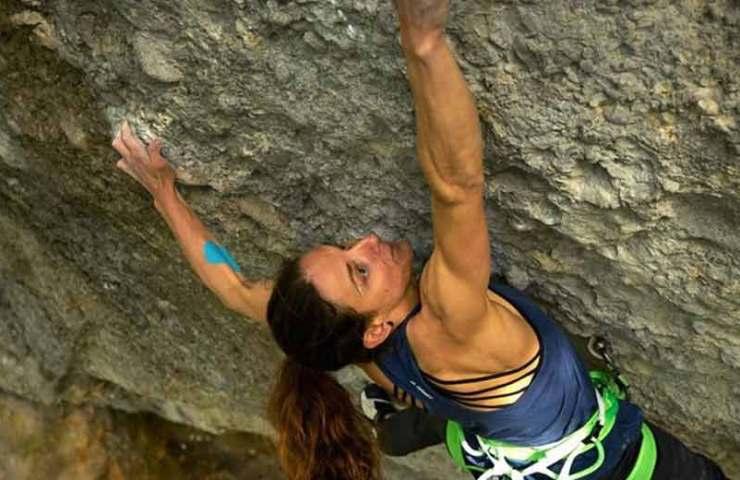 Melissa Le Nevé anota 8c + Route Bionic Commando en Jesuswand