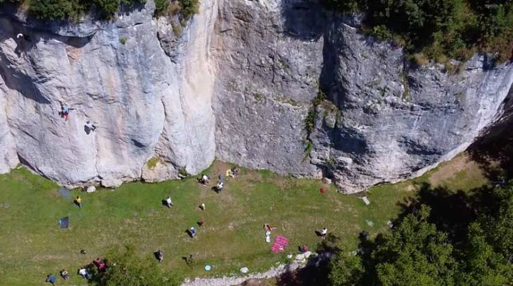 Perfekt für Familien: Der Klettergarten Falesia Dimenticata. (Bild AO Productions)
