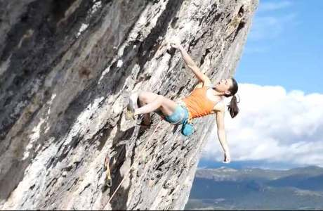 Video: Anak Verhoeven is the first woman to walk the Joe Mama route (9a +)