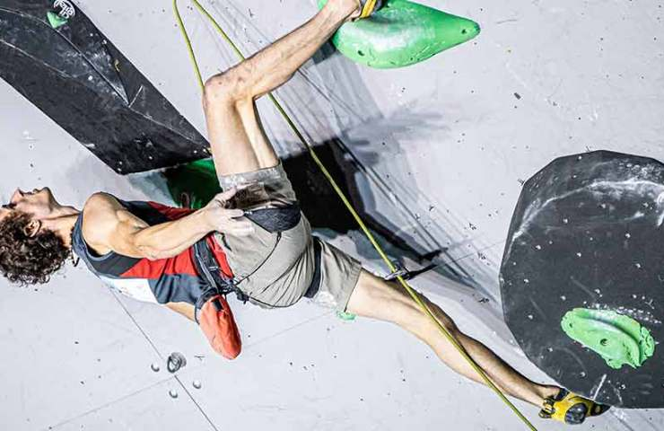 Adam Ondra and Laura Rogora win gold in Briançon