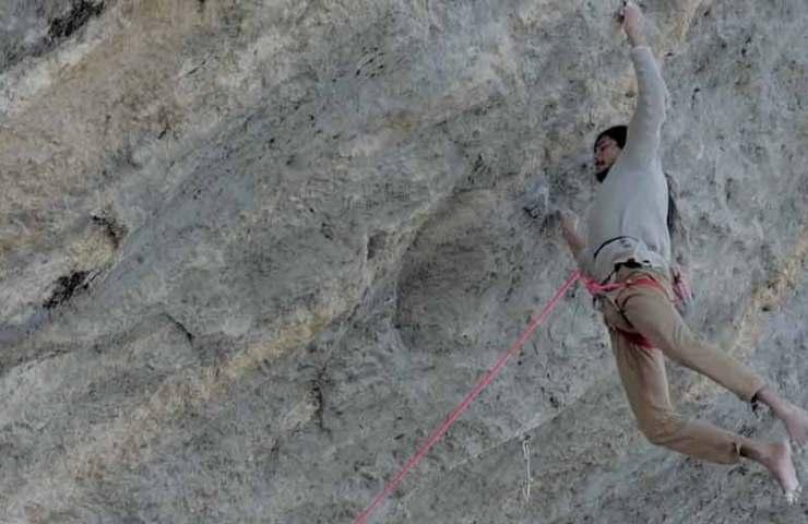 Barfuss-Kletterer Charles Albert und Seb Bouin projektieren Ratstaman Vibration (9c?)