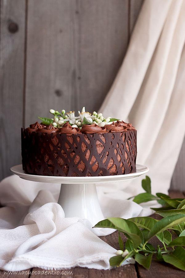 torta al cioccolato e fiori di zagara