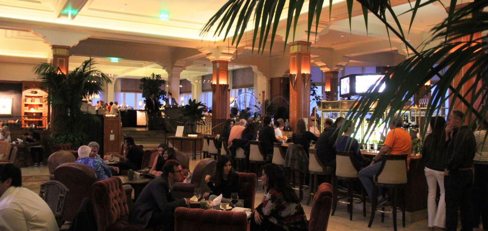 Casa Del Mar – A Classy Date Lounge by the Ocean
