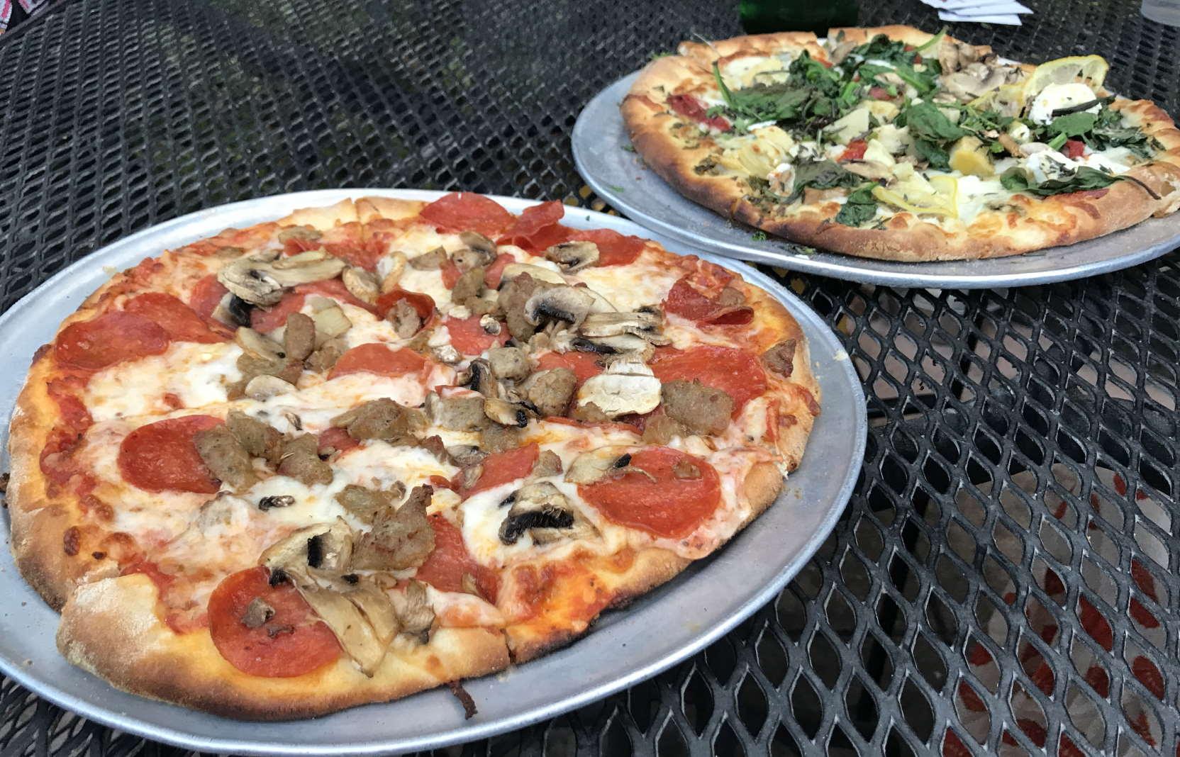Pizza from Papa Lennon's
