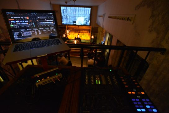 DJ... Viernes y Sábado
