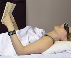 Read While Lying in Bed With Lazy Readers (1)