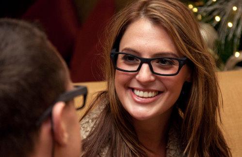 iPal Eyeglasses Capture Images Based on Your Eye Gestures (2)
