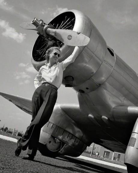 Howard Hughes sets world record in Jackie Cochran's Northrop Gamma 2G
