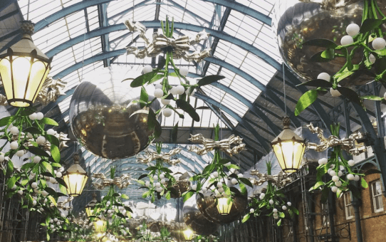 Covent Garden Christmas Decorations | Ladies What Travel