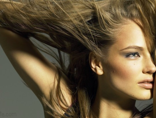 http://ko-te.com/beauty/maska-dlya-volos-krasnyj-perec-i-myata