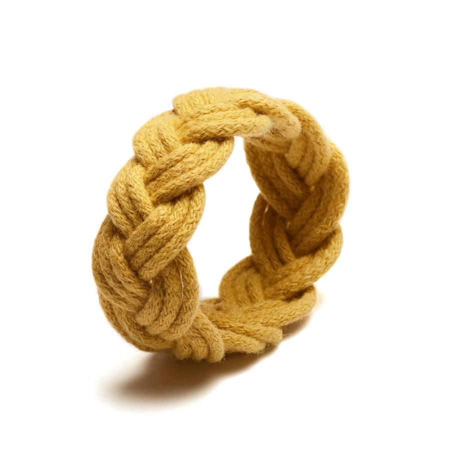 http://www.deern.nl/shop/accessoires/sailor-knot-oker/