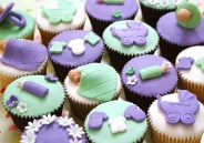 http://cakesandcupcakesmumbai.com/2013/02/12/baby-shower-cakes-and-cupcakes/baby-shower-boy-girl-cakes-cupcakes-mumbai-3/