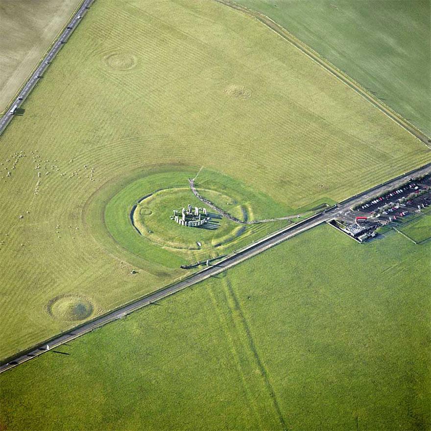 http://www.e-architect.co.uk/england/stonehenge-visitor-facilities