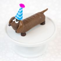 http://www.handmadecharlotte.com/candy-bar-party-pups-are-best-in-show/