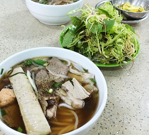 pho bo in vietnam