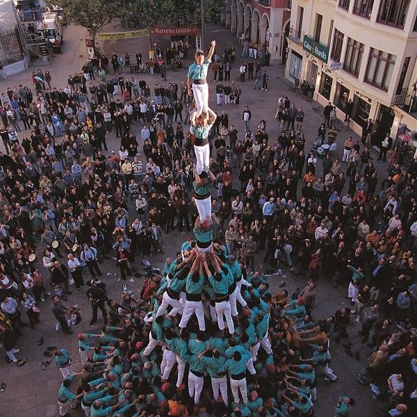 De menselijke toren El Castell