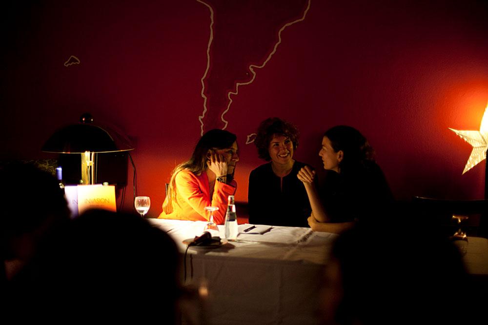 Las escritoras argentinas residentes en Berlín, Cecilia Barbetta y Samanta Schweblin se presentaron con lecturas de sus obras en alemán y español en la primera edición de Invasión.