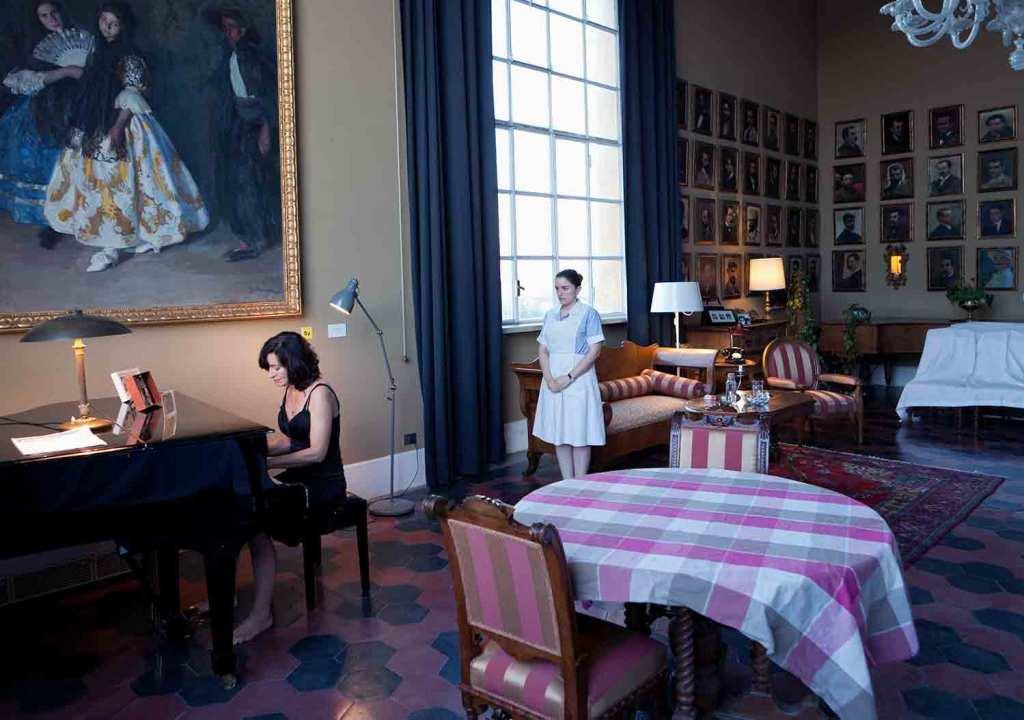 Arantxa de Juan en su obra en casa Magnani Aperta. Foto: Gonzalo Mayoral.
