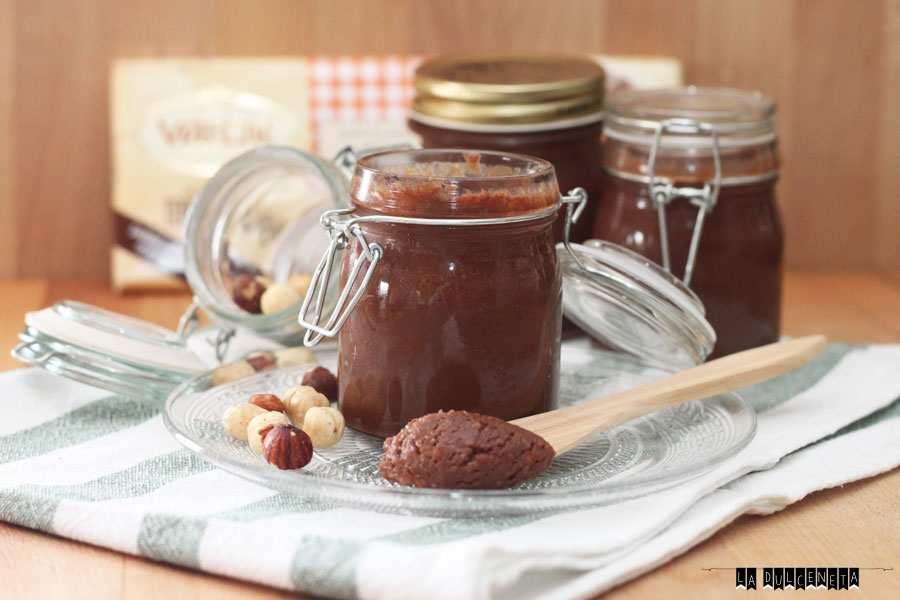 crema de avellanas y chocolate al caramelo