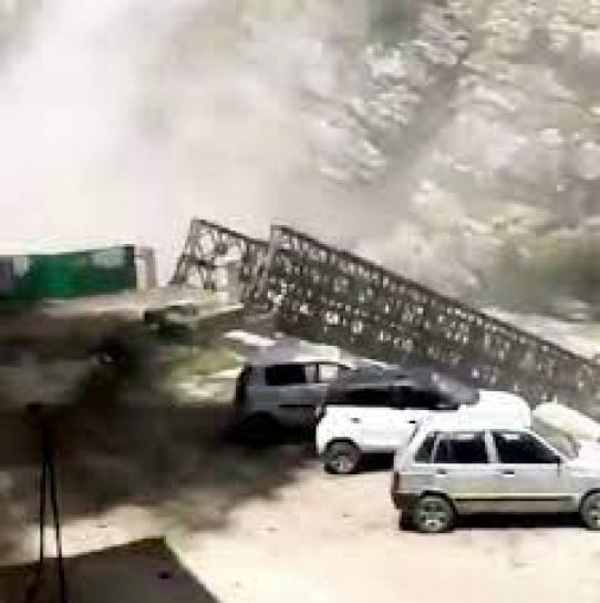 India landslide, Nine tourists killed, boulders fall from hilltop