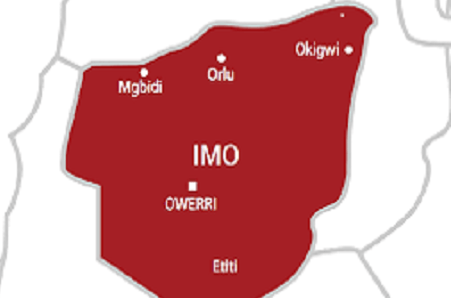 Man Stabs Wife, Pastor To Death In Imo, As Youths Axe Him To Death