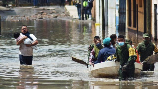17 patients killed as heavy rainfall causes flooding at Mexico hospital