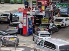 UK fuel crisis, UK fuel queue, £30 purchase limit, UK petrol, fuel