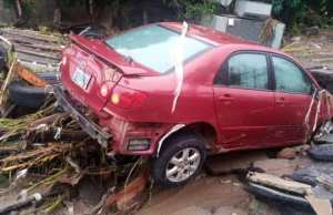 Flood destroys CARS, HOUSES in Trademore Estate, Abuja