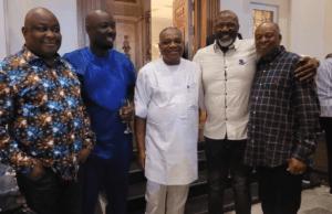 Orji Uzo Kalu, Melaye, other poilticians visit Obi Cubana at home
