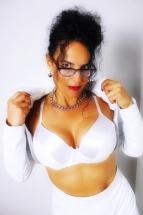 Domina Lady Alina K%C3%B6ln 01 1 143x215 - Outfit Domina Lady Alina