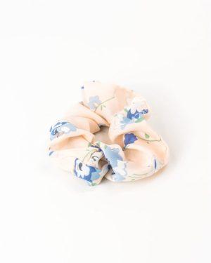 chouchou rose à fleurs bleues et blanches