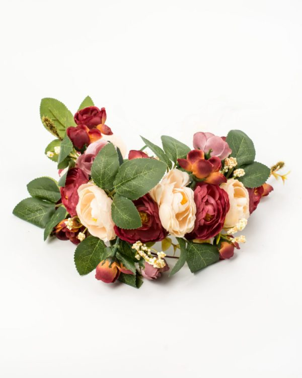 Couronne de fleurs avec roses