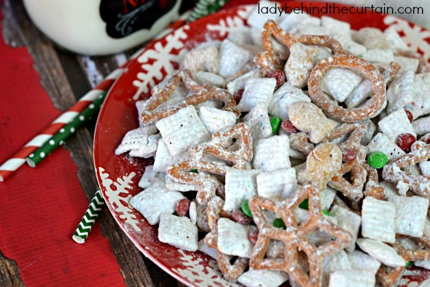 christmas sugar cookie puppy chow - Christmas Puppy Chow