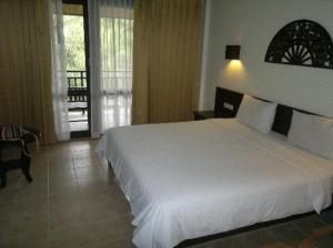Am Samui Resort bedroom