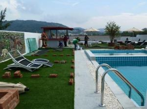 Capannina Inn swimming pool