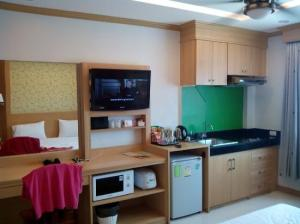 Green Harbor Service Apartment room