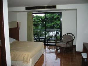 Jomtien Twelve bedroom