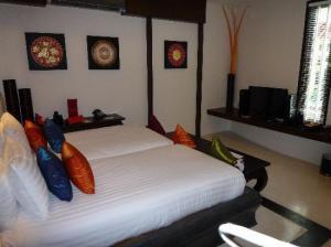 Kirikayan Boutique Resort bedroom