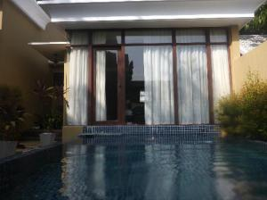 Pawanthorn Samui private pool just outside the room