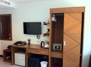 The Chambre Patong room with amenities