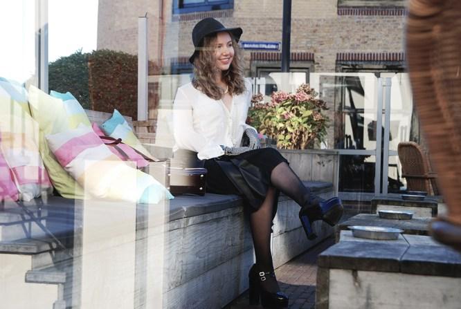 Lady behind blog Fashion Essentials