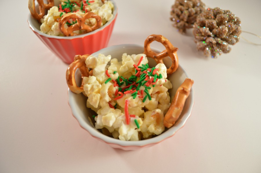Holiday Popcorn Snack Recipe