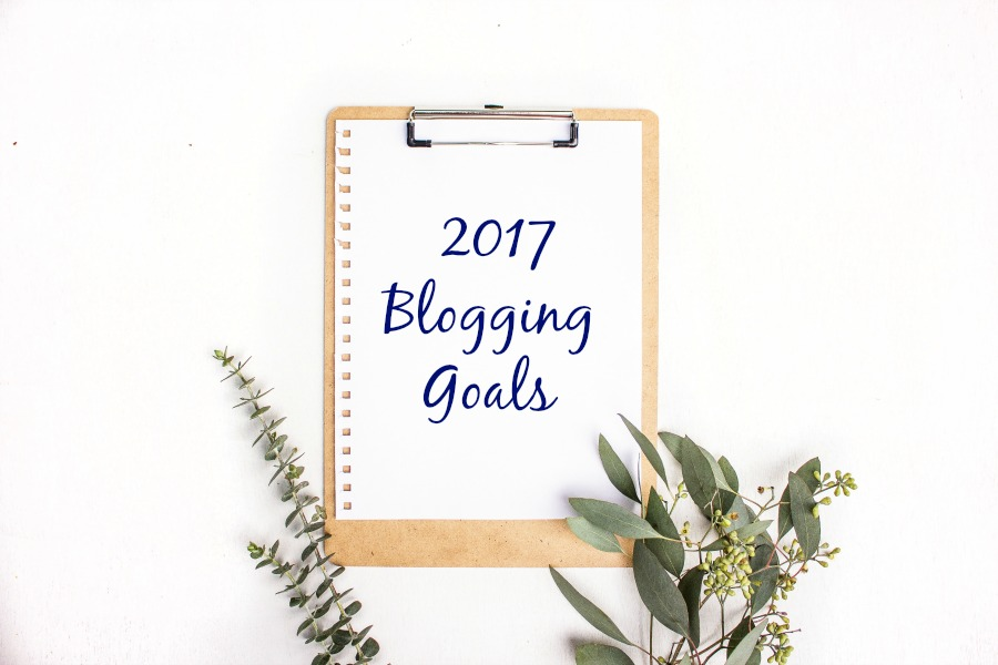 My 2017 Blogging Goals + Habits I'm Working on Developing