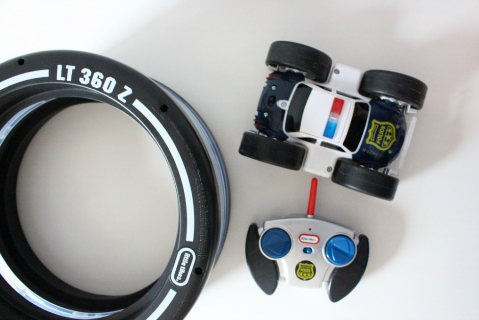 Holiday Gift Guide: Little Tikes Tire Twister Lights | Review & Giveaway